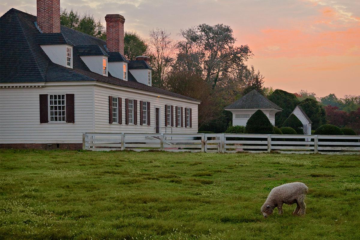 farm house in colonial williamsburg