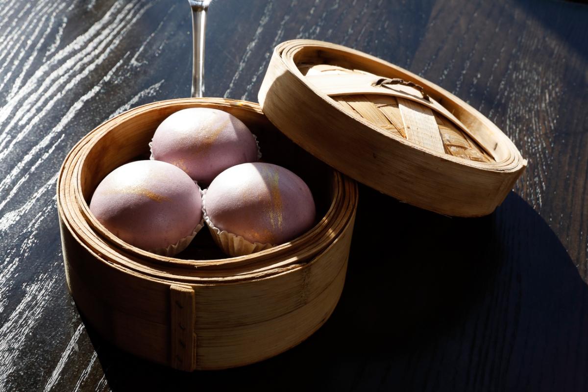Han Palace purple gold yolk buns