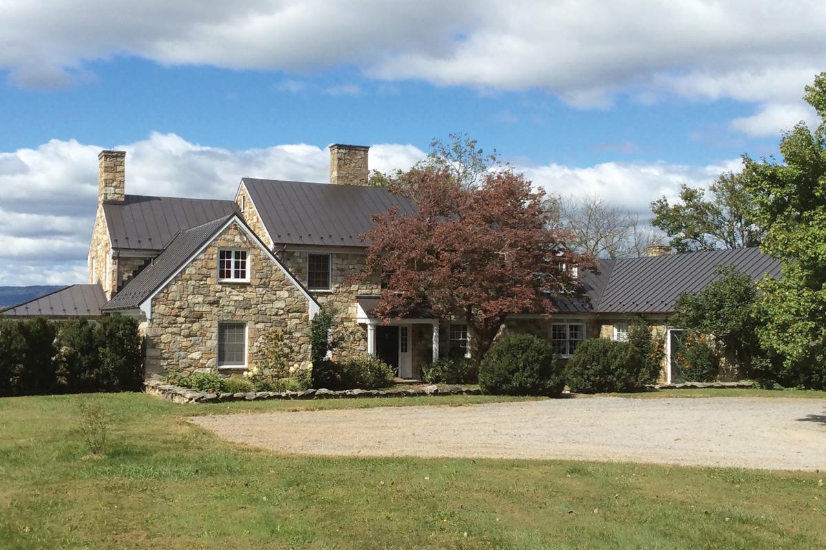 middleburg house exterior
